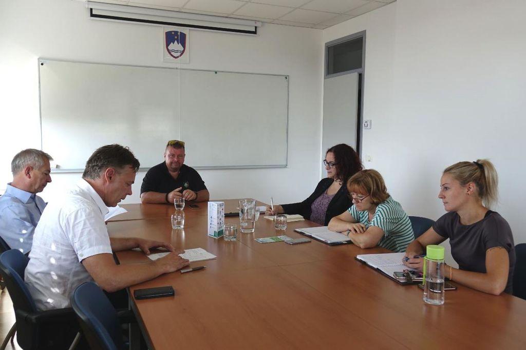 Na sestanku v okviru projekta Local4Green o možnih spodbudah za rabo obnovljivih virov energije v naši občini