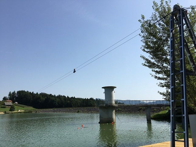 Na Šmartinskem jezeru vse pripravljeno za wake deskanje
