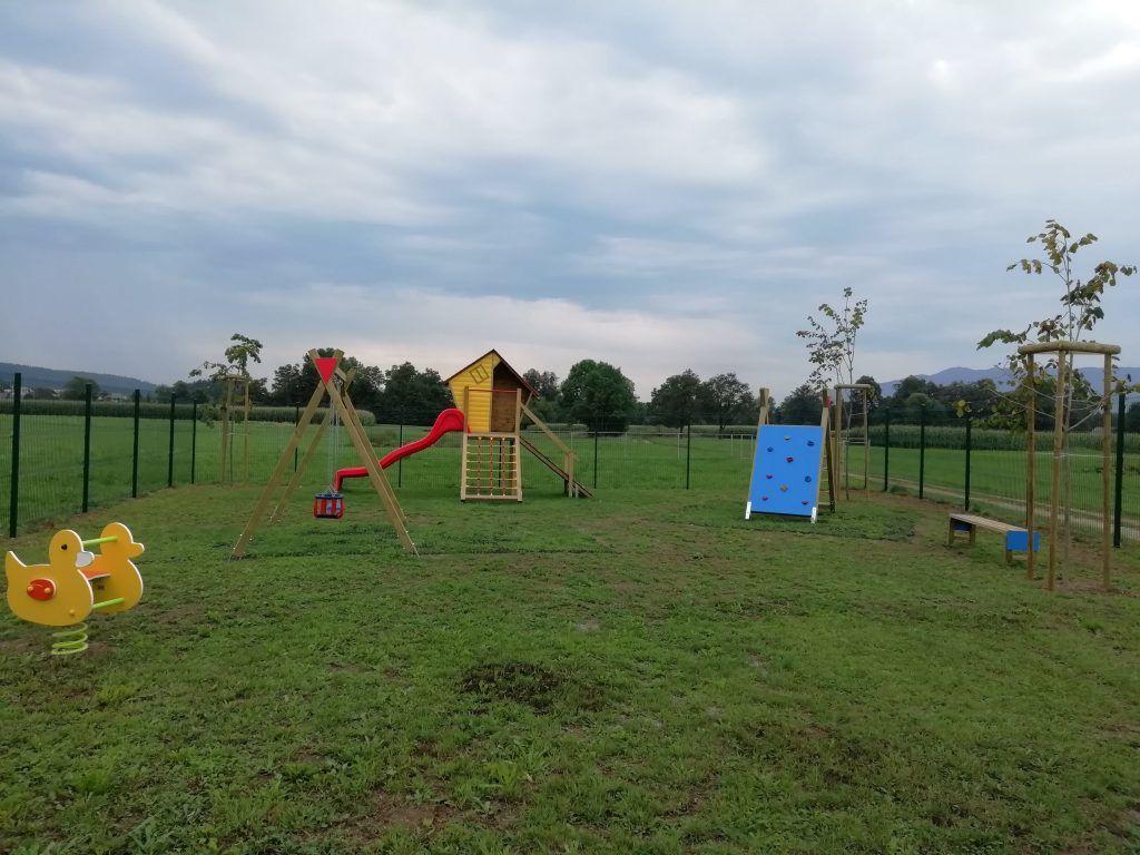 Novo otroško igrišče v Smokuču