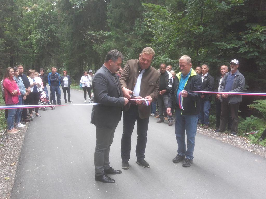 Otvoritev lokalne ceste Tabor–Spodnja hosta, odsek Tabor–Lisjak