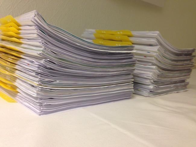 Učenci 9. razreda OŠ Žiri pobirajo odpadni papir