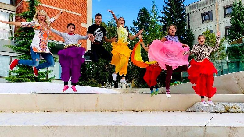 Na festivalu PIKA MIGA plesali tudi otroci iz romskega naselja Brezje in Žabjak