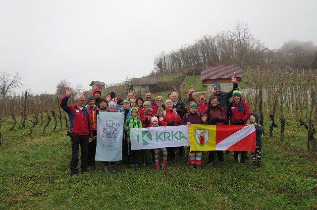 Mladi na pohodu po Karlovški poti