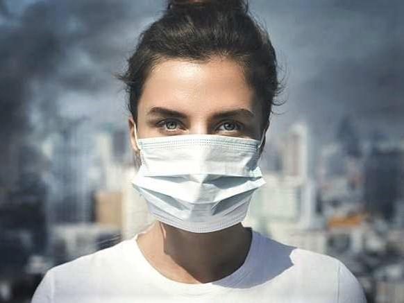 Ponudba v Žireh narejenih zaščitnih mask za obraz