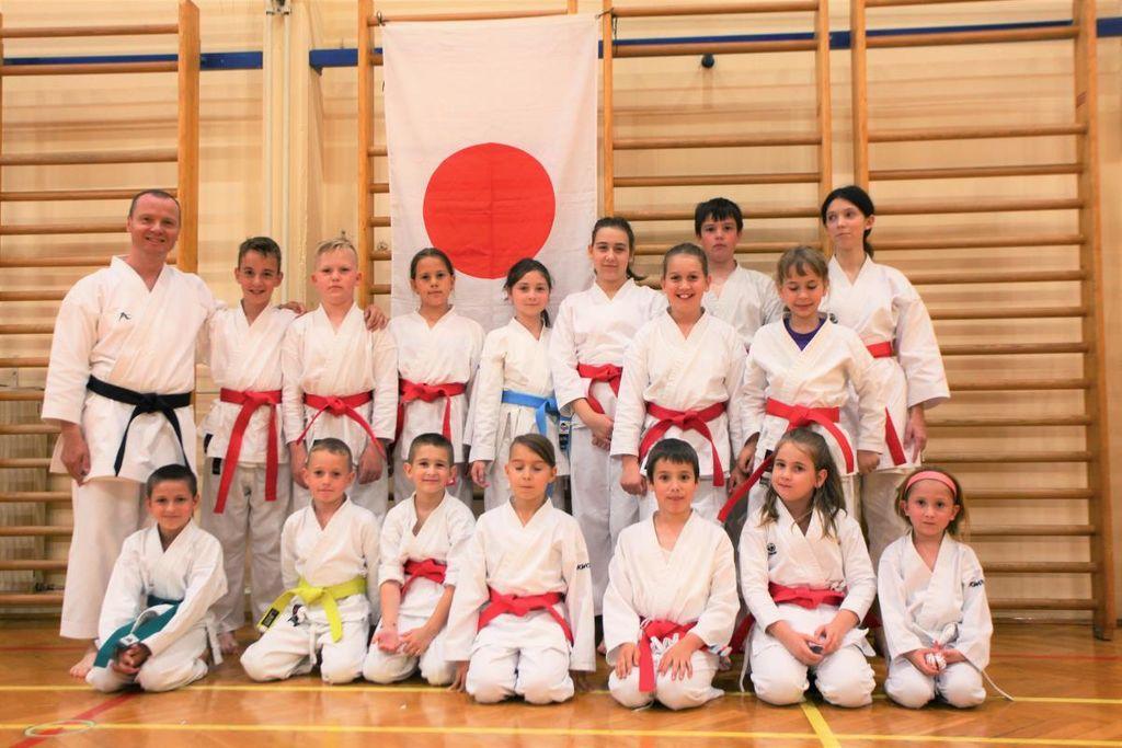 Mirnopeški karateisti so zelo uspešno opravili karate izpite