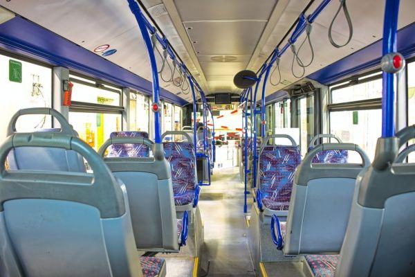 Z začetkom julija brezplačni javni medkrajevni potniški promet za vse upokojence