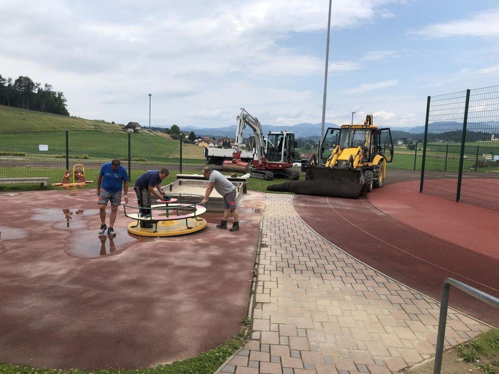 Obnova športnega igrišča v Mokronogu