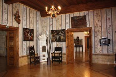 Pokrajinski muzej Celje: Javno vodstvo po Kulturno zgodovinski zbirki s Celjskim stropom