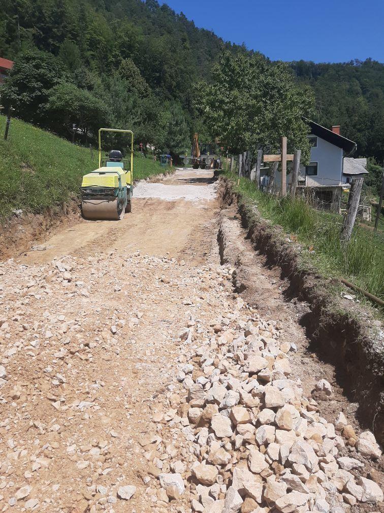 Rekonstrukcija odseka lokalne ceste Trije križi – Sojek