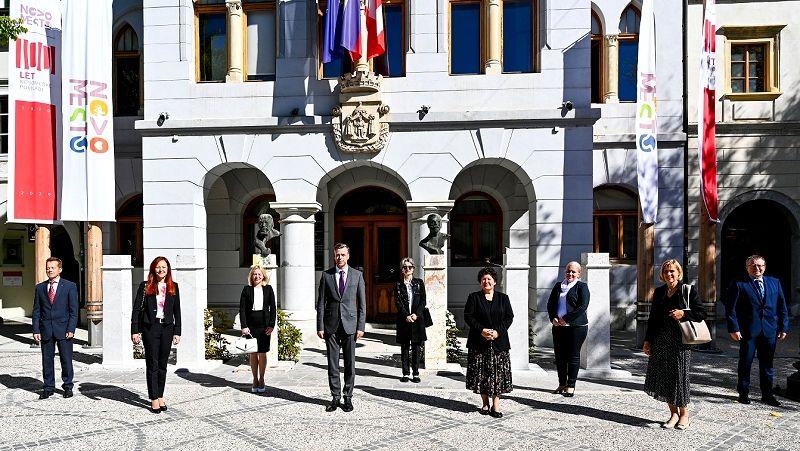 Tradicionalen županov sprejem novomeških dekanov, dekanic in prorektorice