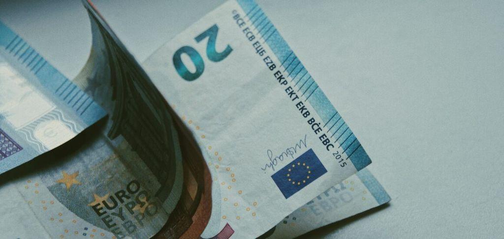 ZSSS za dvig minimalne plače na vsaj 847 evrov neto