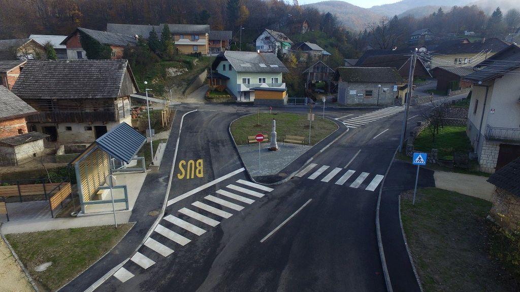 Urejeno središče vasi leta 2019.