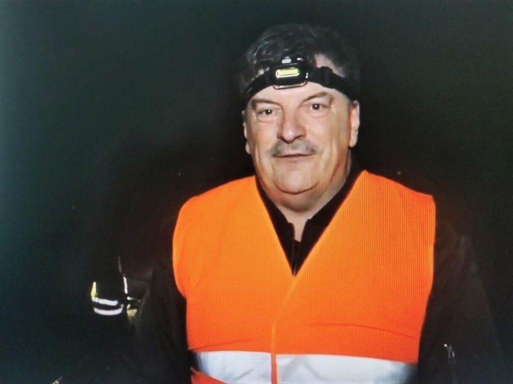 Žabicam na Radenskem polju na njihovi selitveni poti pomagal varno prečkati cesto tudi župan dr. Peter Verlič
