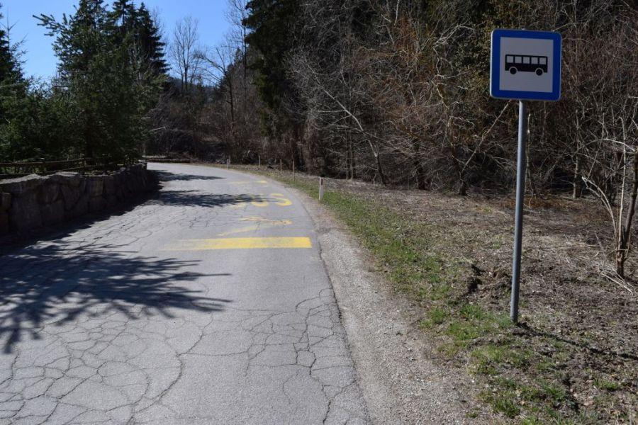 V Javorniškem Rovtu se začenjata ureditev parkirišča in avtobusnega postajališča