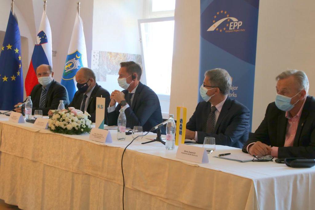 Srečanje županov in podžupanov SLS, SDS in N.Si v Samostanu Mekinje v Kamniku