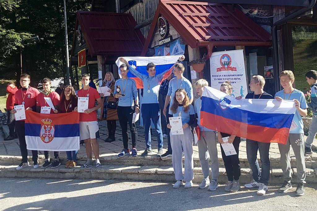 Planinci PD Poljčane balkanski prvaki 2021 v planinski orientaciji in planinci iz PD Zabukovica na tretjem mestu v kategoriji juniorjev do 18 let (foto Gvido Španring)