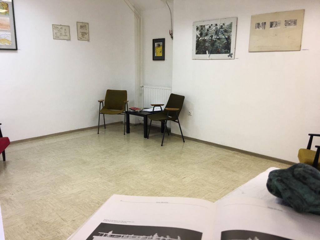 Čitalnica z razstavo v raum AU