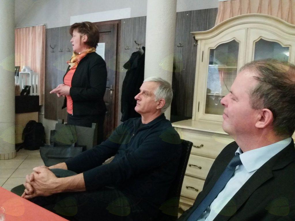 povabljeni gostje, župan Dobrova - Polhov Gradec, podžupan Horjula in kmetica leta Karolina Črešnar