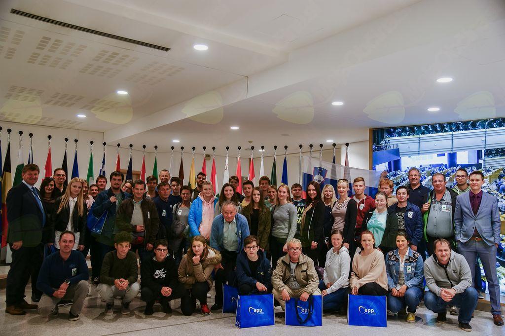 Godbeniki v evropskem parlamentu z evropskim poslancem g. Bogovičem