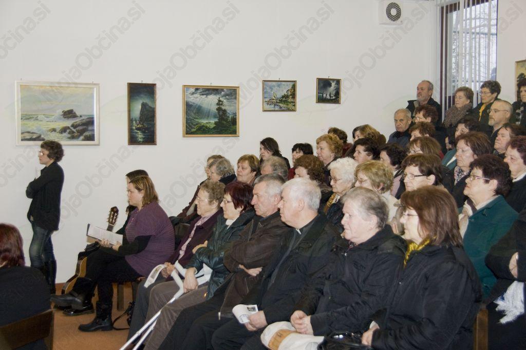 Polna dvorana Gnidovčevega doma na Mirenskem gradu (foto Barbara Magajna)