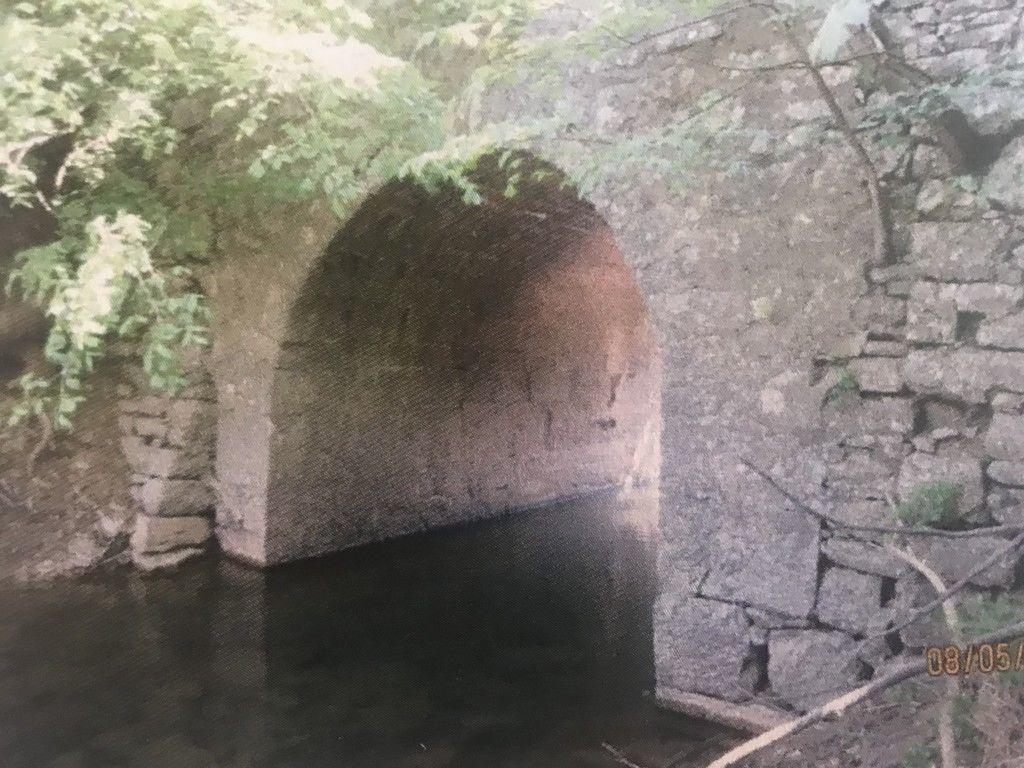 Sanacija mostu in opornih zidov na lokalni cesti Laze – Planina v občini Logatec