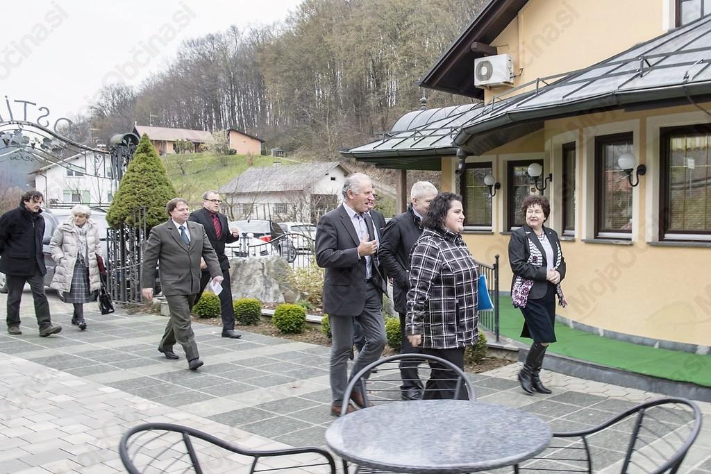 Obisk ministrice za kulturo na gradu Borl