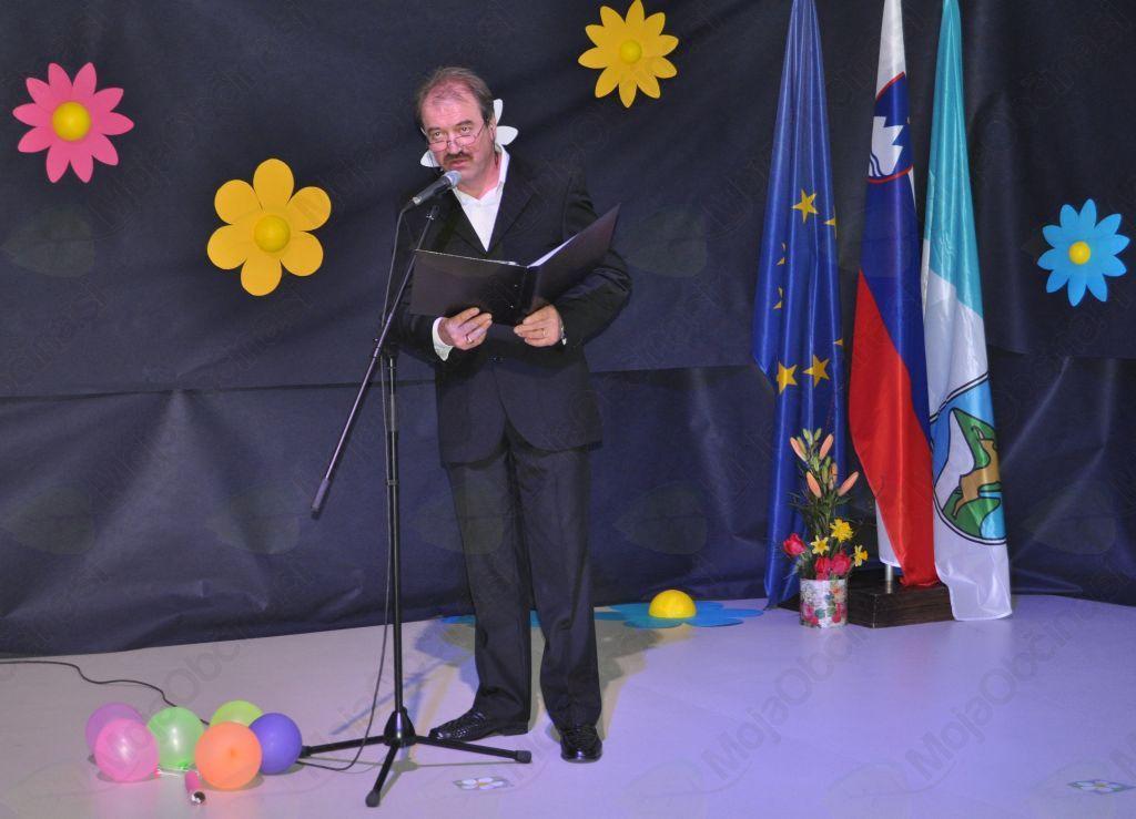 Program sta povezovala Iztok Kenda in Slavica della Bianca v organizaciji Občine Bovec in Kulturnega doma Bovec. Program pa je sestavil Marjan Bevk.