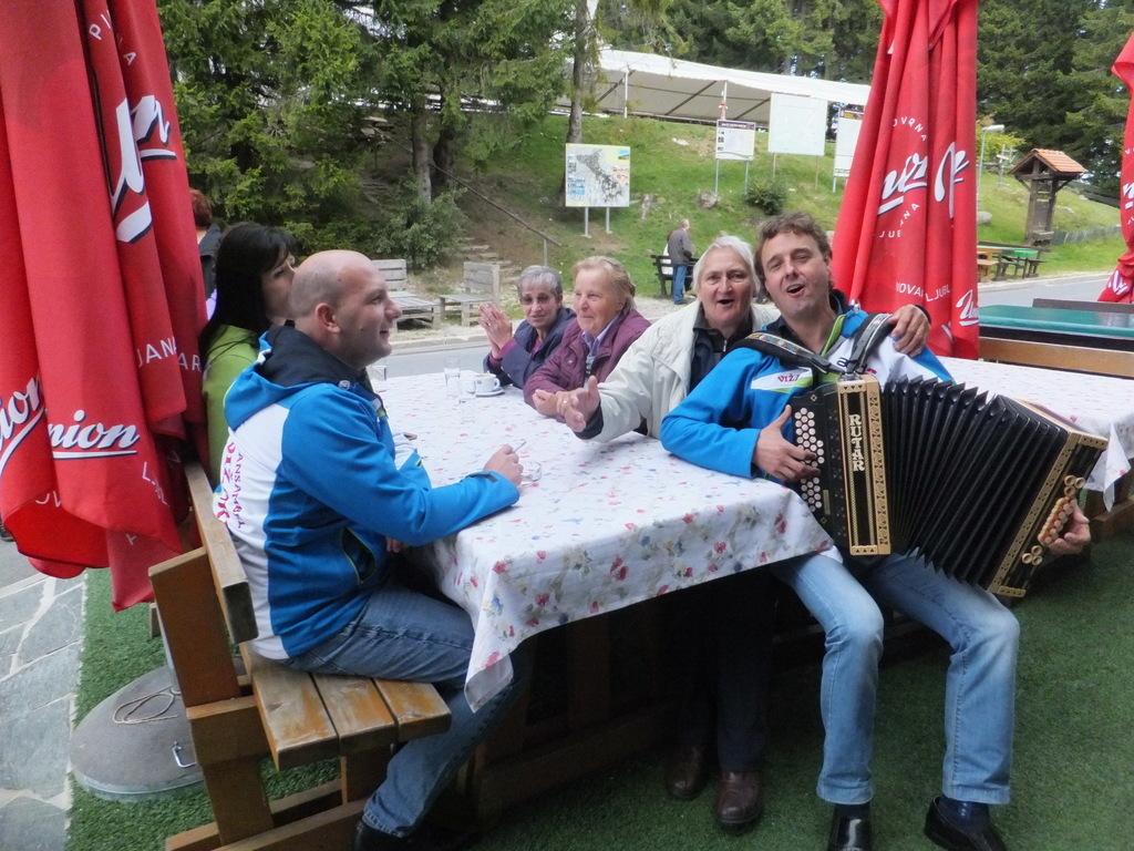 Srečanje pobratenih Društev invalidov Dravinjske doline in Slovenske Bistrice na Treh kraljih