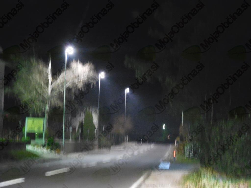 Javna razsvetljava v vasi Idrsko.