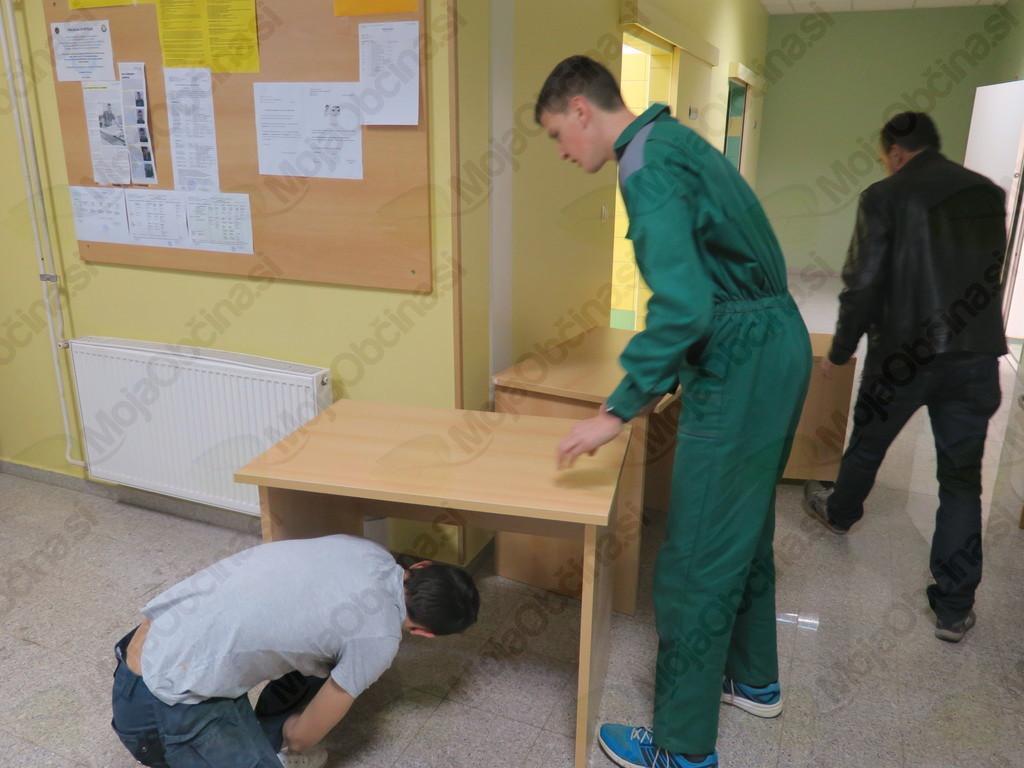 Šolski center Novo mesto obdaril dve družini