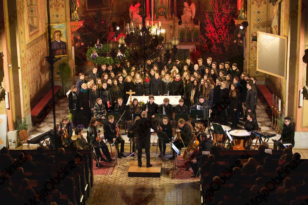Mešani mladinski pevski zbor in orkester I. gimnazije v Celju