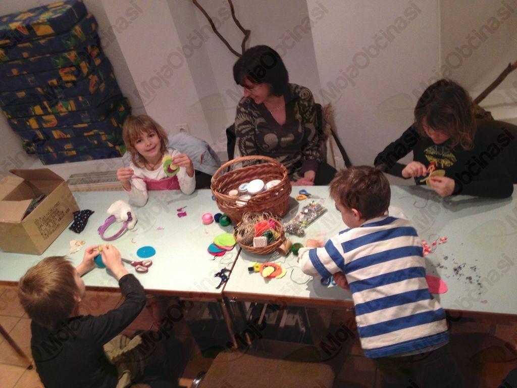 Ustvarjalne delavnice ob pomoči staršev