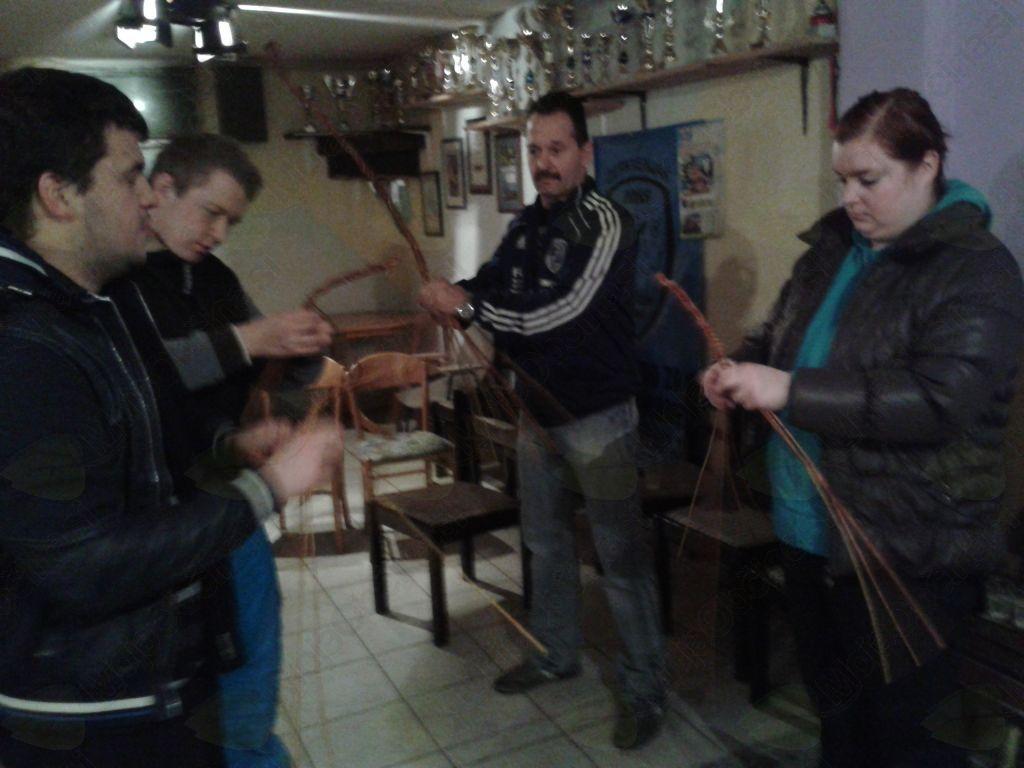 Pletenje kardebačev z gostiteljem