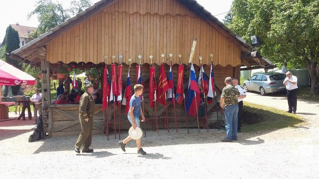Spominska slovesnost v Podšumberku