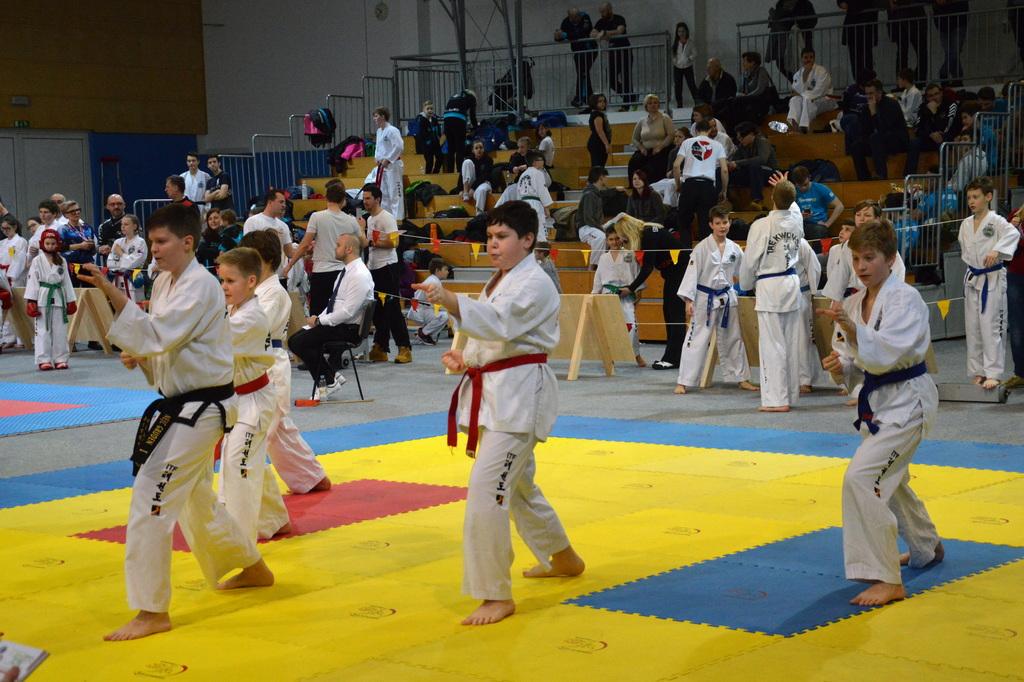 Ekipne forme dečki (Gruden, Novak, Furlan, L. Pečar, Nuhanović)