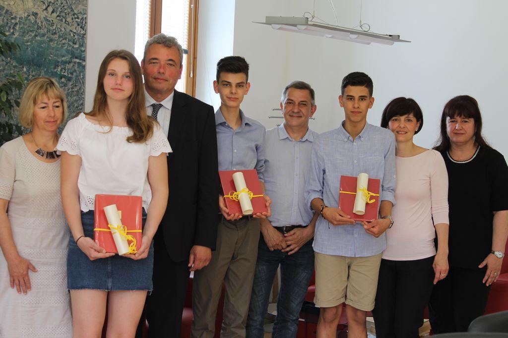 Sprejem najboljših devetošolcev pri županu