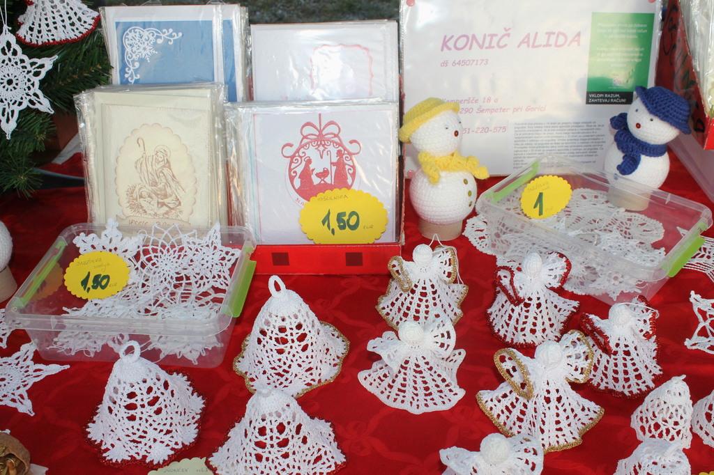 Veseli december na Božičnem sejmu v Mirnu