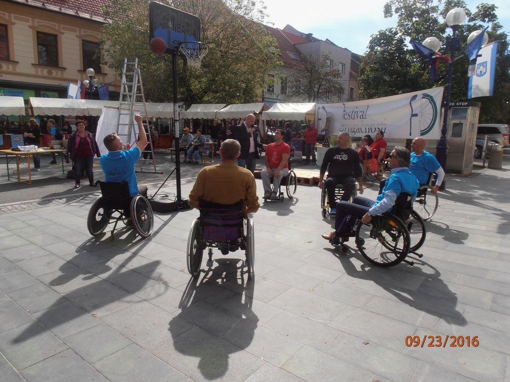 BAZAR nevladnih humanitarnih in invalidskih organizacij