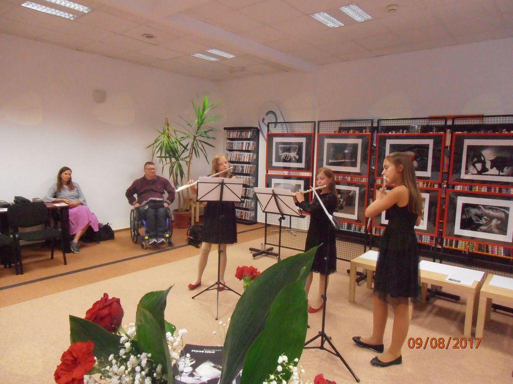 nastop tria flaut