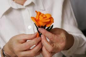 """Delavnica """"Izdelava rožic iz krep papirja"""""""