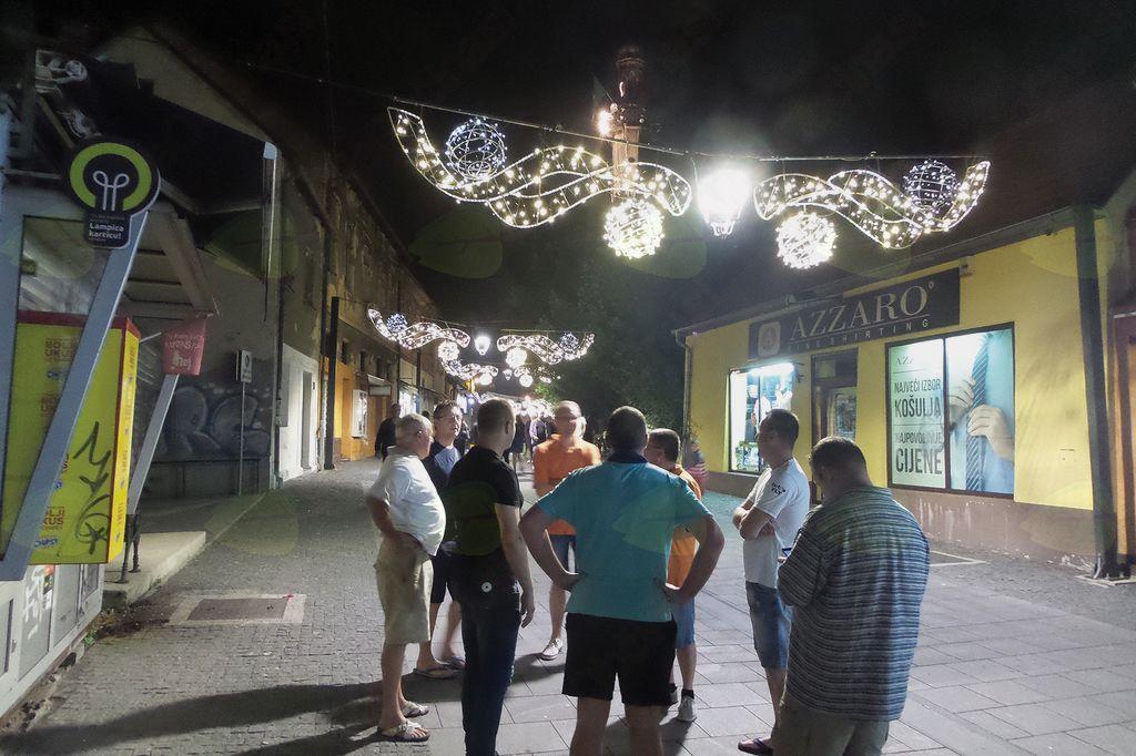 Nočni ogled mesta Tuzla