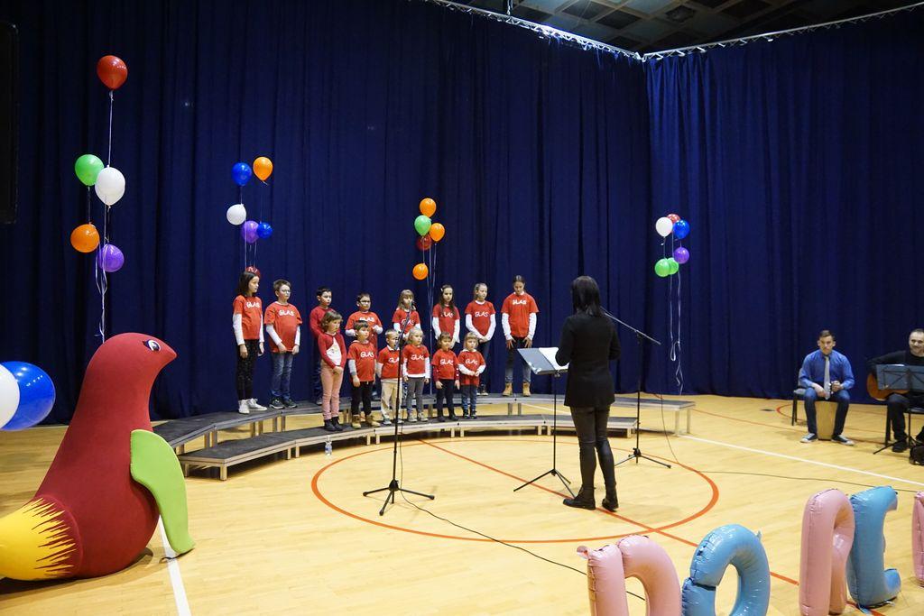 Otroški pevski zbor Glas Bilje