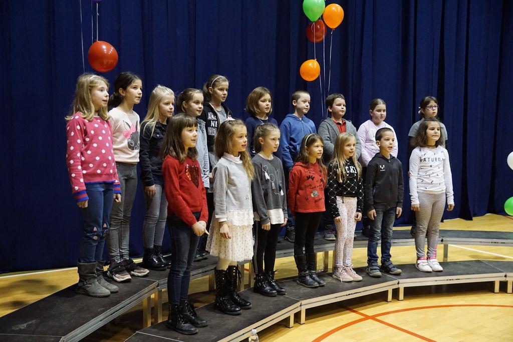 Otroški pevski zbor OŠ Miren