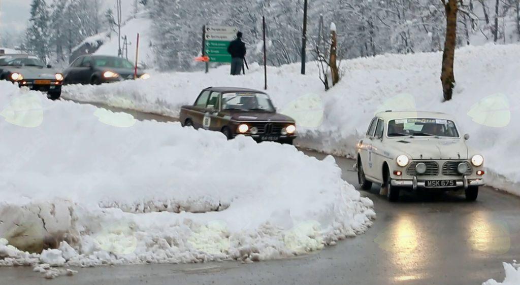 Zimski reli starodobnikov skozi Polhov Gradec