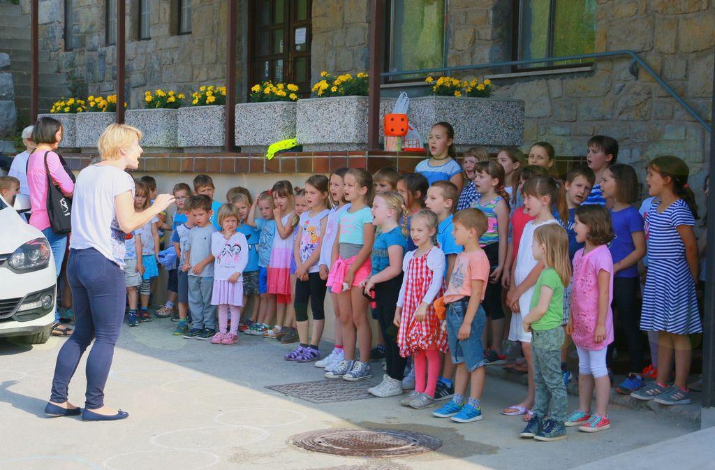 Pevski zbor vrtca Polhov Gradec