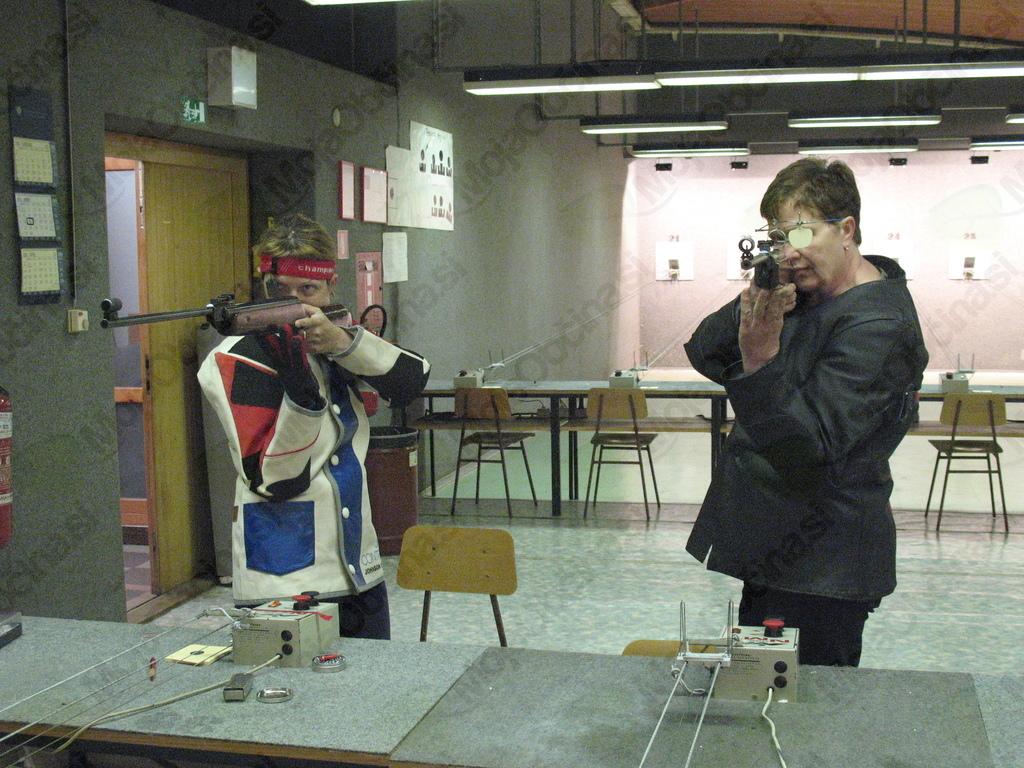 Sušec Mihaela Jelka in Brodej Lilijana na DP invalidov v streljanju v Ljubljani