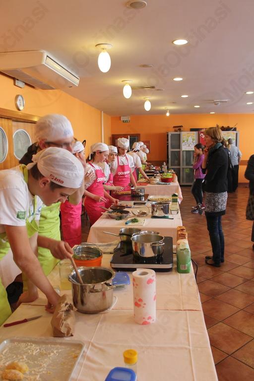 V kobariškem Hotelu Hvala - restavraciji Topli Val je aprila potekal vseslovenski projekt Kuhnapato. Foto: Tanja Skočir