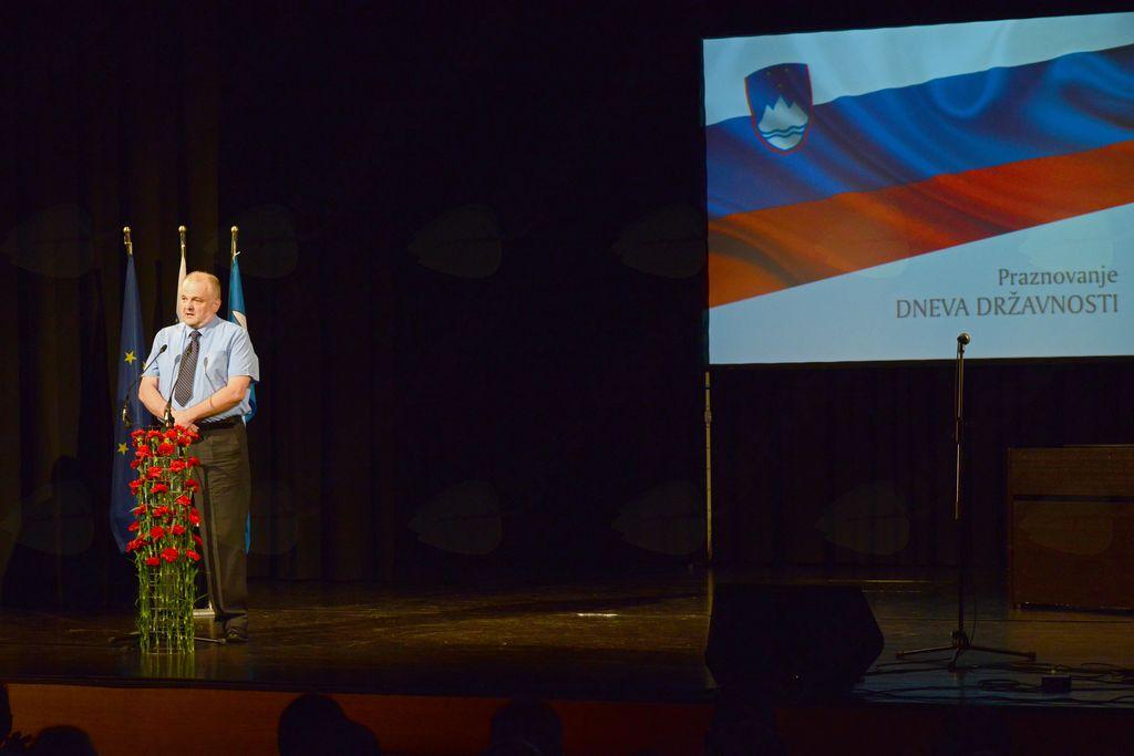 Uvodoma je zbrane v imenu vseh treh posoških županov pozdravil in nagovoril župan Občine Kobarid Robert Kavčič.