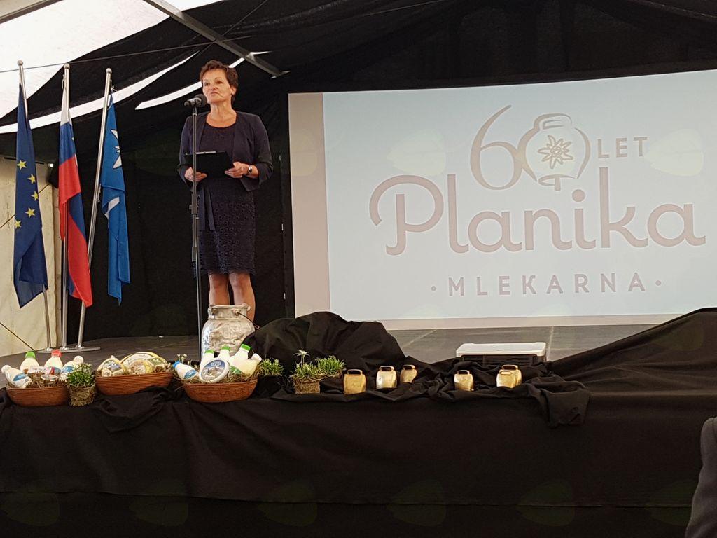 Direktorica Mlekarne Planika Anka Miklavič Lipušček je povzela zgodovino mlekarne. Foto: Nataša Hvala Ivančič