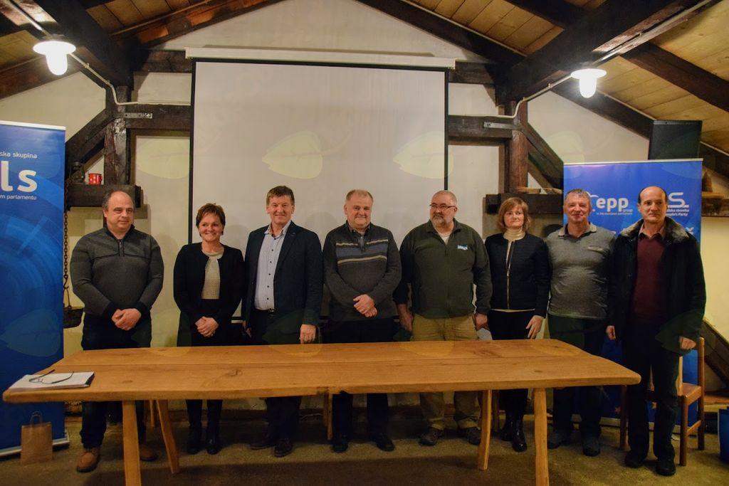 """Regionalno omizje """"Pametne vasi v Posočju – nove tehnologije in koncepti za ohranitev podeželja"""""""